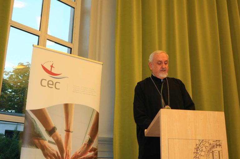 Συνέδριο του ΚΕΚ στο Παρίσι για την ειρήνη
