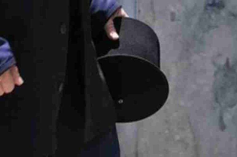 Σε αργία τέθηκε ο ιερέας που κατηγορείται για παιδεραστία στη Μάνη