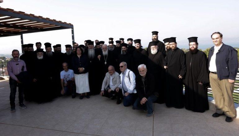 Ο Μητροπολίτης και στελέχη της Μητροπόλεως Ν. Κρήνης σε δομές της Αρχιεπισκοπής