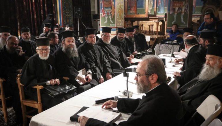 """Κληρικοί Ι. Μ. Θηβών: """"Δεν θα κηδεύουμε όσους αποτεφρώνονται"""""""