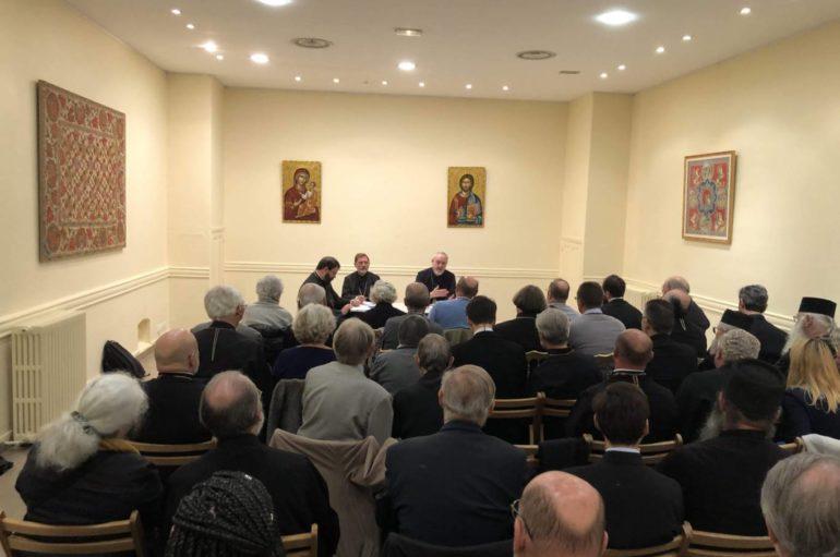 Συνεδρίαση κληρικών και λαϊκών στελεχών της πρώην Εξαρχίας στο Παρίσι