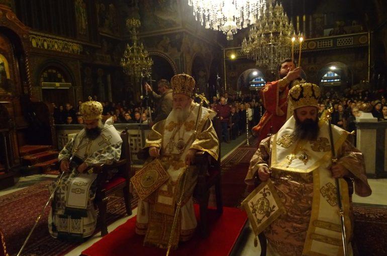 Τρισαρχιερατική Χριστουγεννιάτικη Αγρυπνία στην Ι. Μ. Κορίνθου