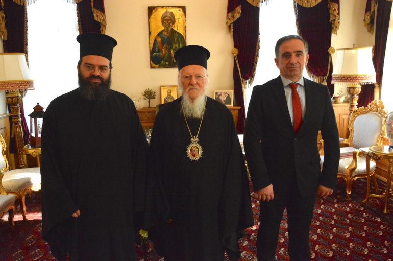 Ο Οικ. Πατριάρχης σε δομή παροχής περίθαλψης και στήριξης προσφύγων