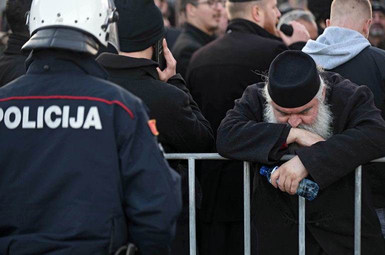 Σέρβοι Αστυνομικοί ξυλοκόπησαν τον Επίσκοπο Διοκλείας Μεθόδιο