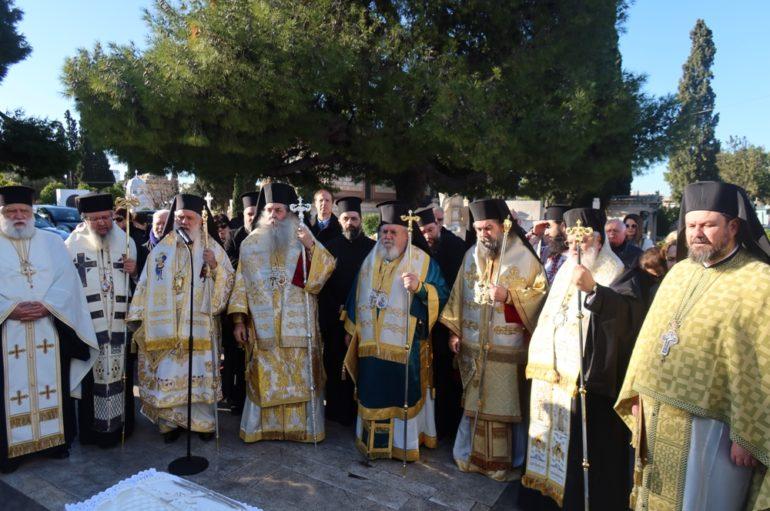 Μνημόσυνο του Μακαριστού Αρχιεπισκόπου Χριστοδούλου στο Α΄ Κοιμητήριο Αθηνών
