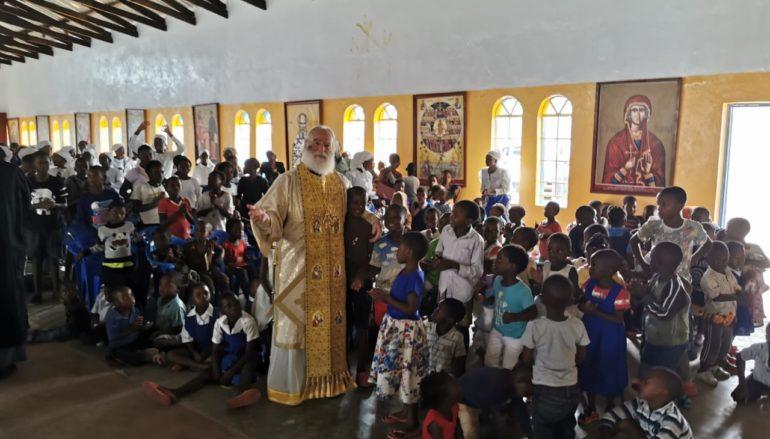 "O Πατριάρχης Αεξανδρείας εόρτασε με τα ""παιδιά των σκουπιδιών"""