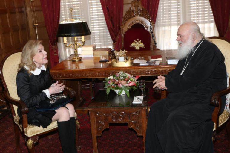 Η Μαριάννα Βαρδινογιάννη στον Αρχιεπίσκοπο Ιερώνυμο