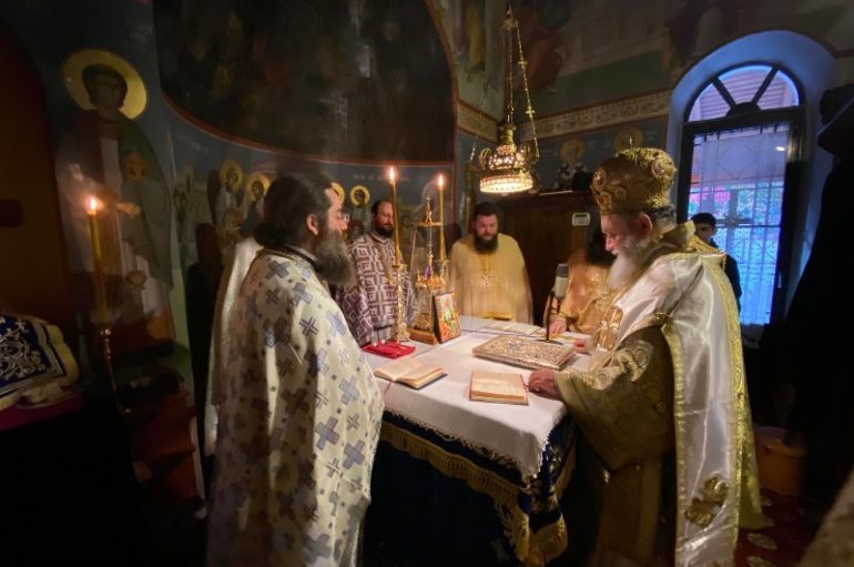 Με λαμπρότητα εόρτασε η Ι. Μονή Μακρυμάλλη Ψαχνών τον Άγιο Παρθένιο