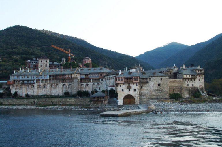 Πρώτο θετικό κρούσμα μοναχός στο Άγιον Όρος