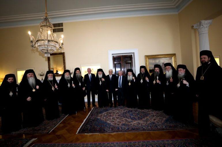 Επίσημο γεύμα του ΠτΔ προς τον Πρόεδρο και τα μέλη της ΔΙΣ