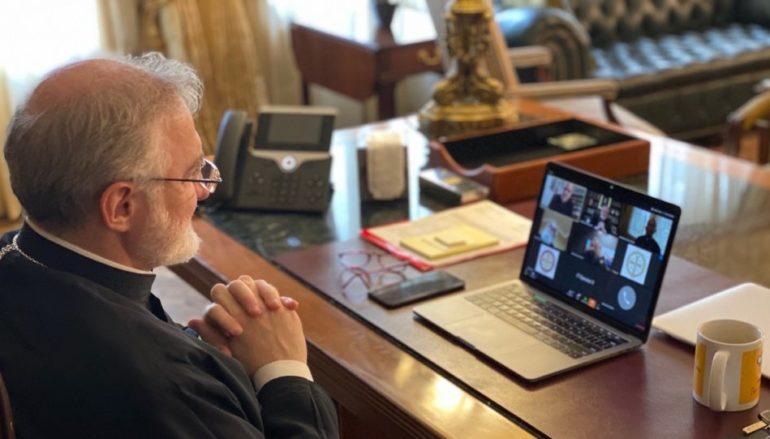 Επικοινωνία του Αρχιεπίσκοπου Αμερικής με τον Υπουργό Υγείας των ΗΠΑ