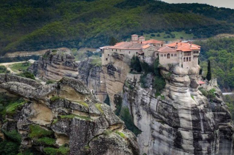 Οι Ιερές Μονές των Μετεώρων θα παραμείνουν κλειστές για τους επισκέπτες