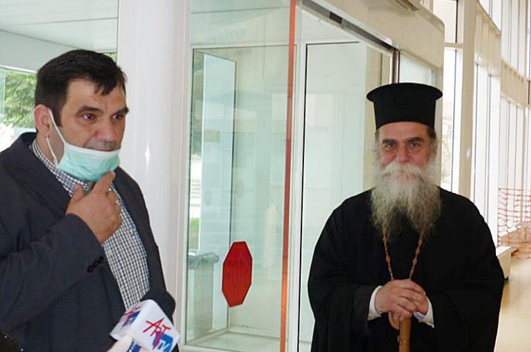 Στο Νοσοκομείο Άρτας προσέφερε τον μισθό του ο Μητροπολίτης Καλλίνικος