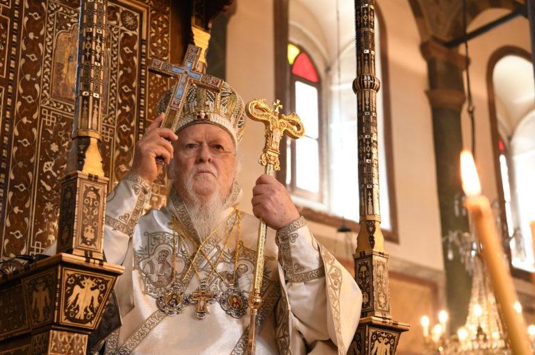"""Οικ. Πατριάρχης: """"Η πίστη του Χριστιανού είναι το αληθινό φως της Αναστάσεως"""""""