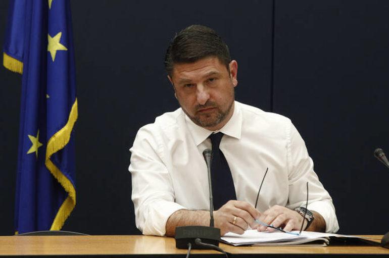 Παρέμβαση Εισαγγελέα ζητά ο Χαρδαλιάς για τη Θ. Κοινωνία σε Κουκάκι και Κέρκυρα