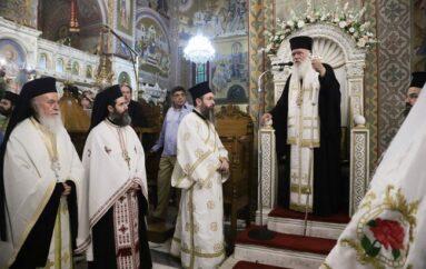 Ο Αρχιεπίσκοπος στον Ι. Ν. Αγίων Κωνσταντίνου και Ελένης Ομονοίας