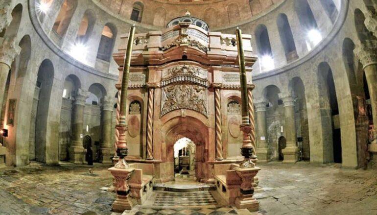 Ανοίγει τις πύλες του ο Ναός της Αναστάσεως στα Ιεροσόλυμα