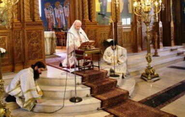 Κυριακή της Πεντηκοστής στον Ι. Ν. Αγίας Παρασκευής Ναυπάκτου