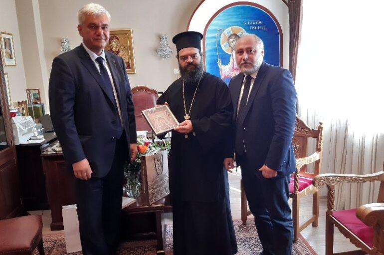 Ο Γεν. Πρόξενος της Ουκρανίας στον Μητροπολίτη Μαρωνείας