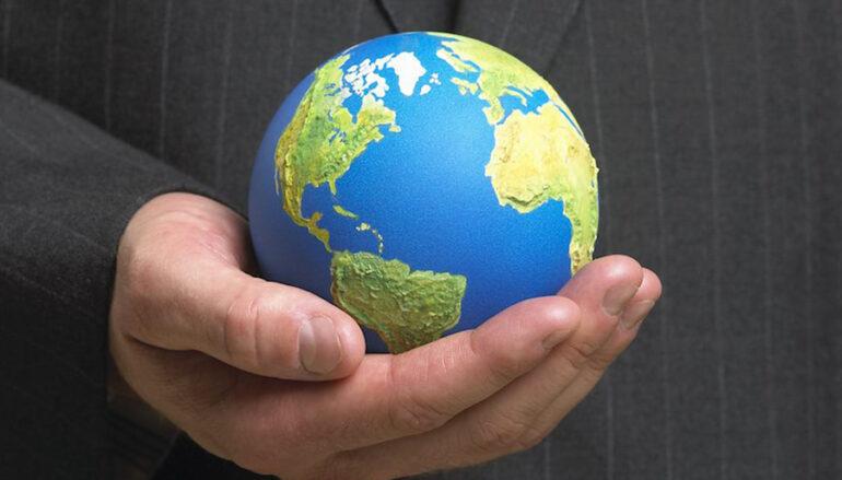 Παγκοσμιοποίηση και καθολικότητα