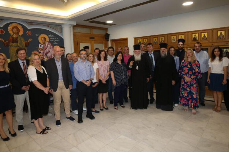 Ευχές στον Αρχιεπίσκοπο Ιερώνυμο από τους υπαλλήλους της Ι. Συνόδου
