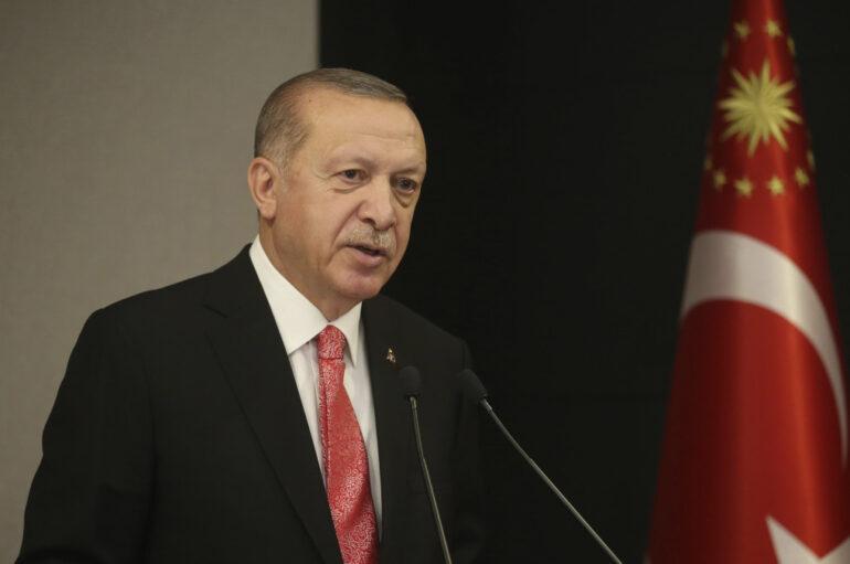 """Ερντογάν: """"Δεν θα πάρουμε την άδειά σας για να κάνουμε τζαμί την Αγιά Σοφιά"""