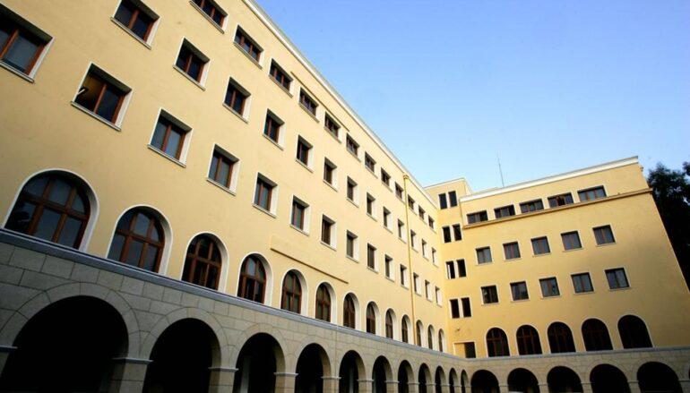 Την Ιερά Σύνοδο θα επισκεφθούν οι Υπουργοί Εθνικής Άμυνας και Υγείας