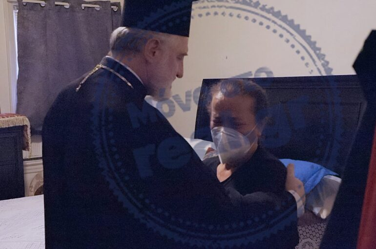 Ο Αρχιεπίσκοπος Αμερικής συμπαραστέκεται στην οικογένεια του Γιώργου Ζαπάντη
