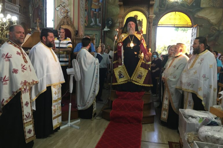 O Επίσκοπος Ανδρούσης Κωνστάντιος στον Ι. Ναό Αγ. Παντελεήμονα Πύργου