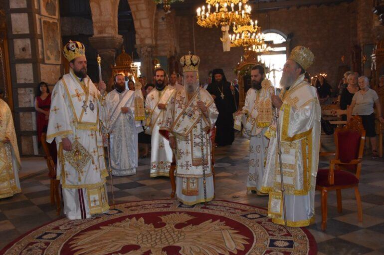 Με λαμπρότητα εόρτασε η Χαλκίδα την Πολιούχο της Αγία Παρασκευή