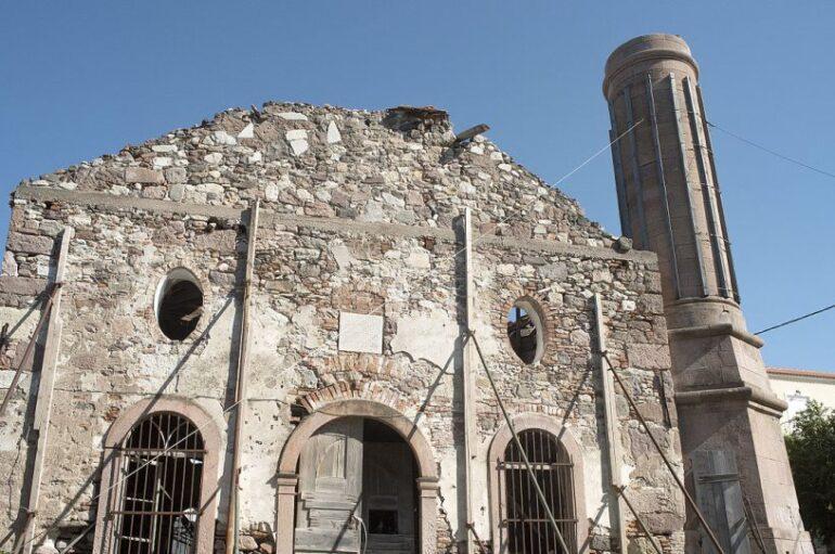 Διακοπή έργου αποκατάστασης του Βαλιδέ τζαμί ζήτησε ο Περιφερειάρχης Β. Αιγαίου