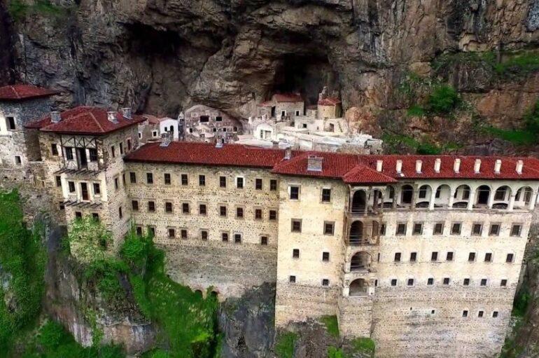 Ανοίγει και πάλι το ιστορικό Μοναστήρι της Παναγίας Σουμελά