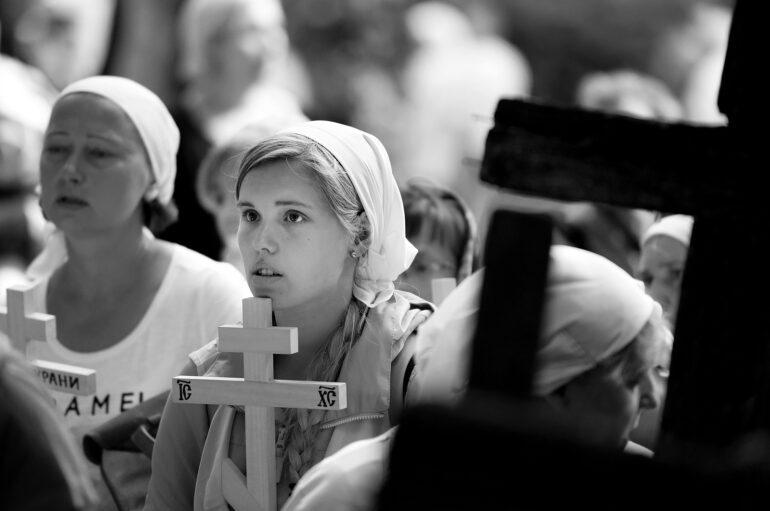 Πάρε τον σταυρό σου κι άσε τους αδελφούς σου ήσυχους