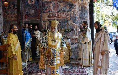 Πανηγύρισε η Κυρά της λίμνης Παναγία Μαυριώτισσα στην Καστοριά