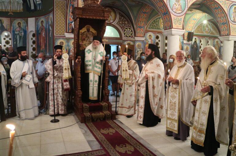 Αρχιερατικός Εσπερινός του Αγίου Αρσενίου του Νέου στην Πάρο