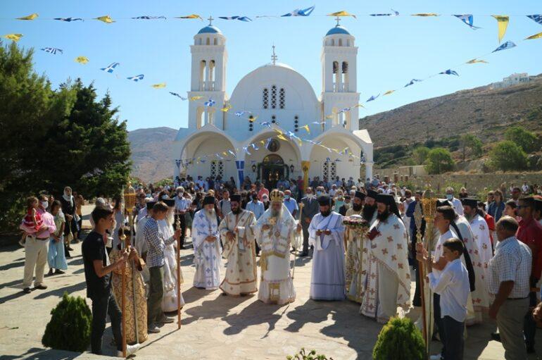 Τον Πολιούχο της Άγιο Αρσένιο το Νέο εόρτασε η Πάρος