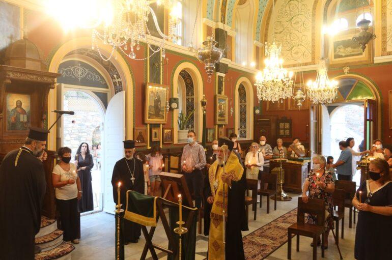 Ιερά Παράκληση από τον Μητροπολίτη Σύρου Δωρόθεο