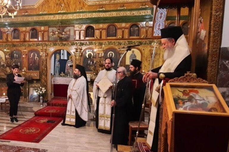 Ο Μητροπολίτης Χαλκίδος στην ενορία Κυπαρισσίου Μεσσαπίων