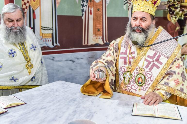 Ιερές Ακολουθίες επί τη Διασαλεύση Αγίας Τραπέζης στον Ι. Ν. Αγ. Βασιλείου Λαγκαδά