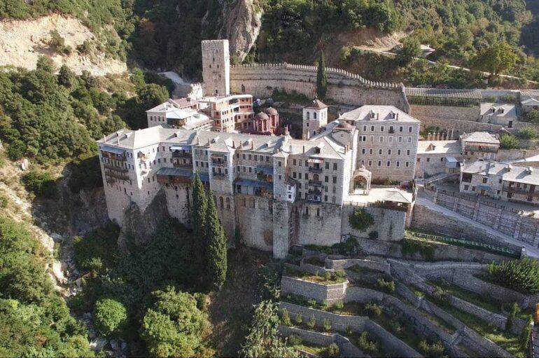 Οκτώ κρούσματα κορονοϊού στην Ι. Μονή Αγίου Παύλου στο Άγιον Όρος