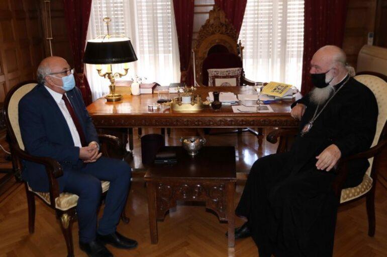 Ο Γιάννης Αμανατίδης στον Αρχιεπίσκοπο