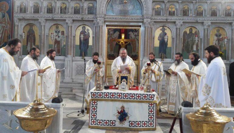 Η Θεία Λειτουργία του Αγίου Ιακώβου του Αδελφοθέου στη Λάρισα