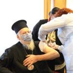 Ο Οικουμενικός Πατριάρχης εμβολιάστηκε κατά του ιού Covid-19