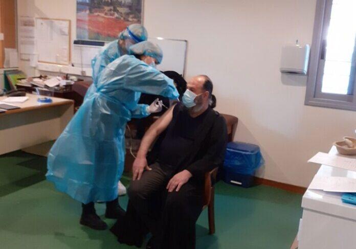 Εμβολιάστηκε ο Μητροπολίτης Ιωαννίνων Μάξιμος