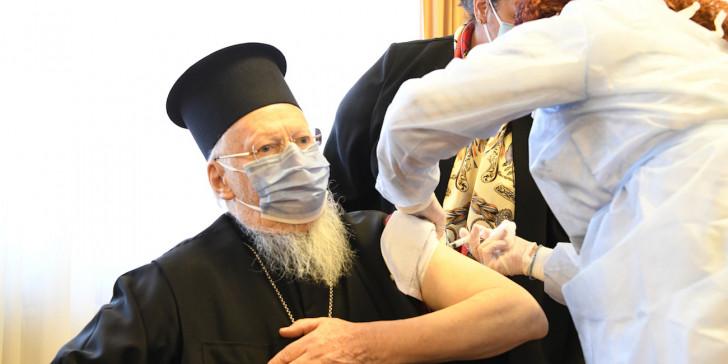 Τη δεύτερη δόση κατά Covid-19 έλαβε ο Οικουμενικός Πατριάρχης Βαρθολομαίος