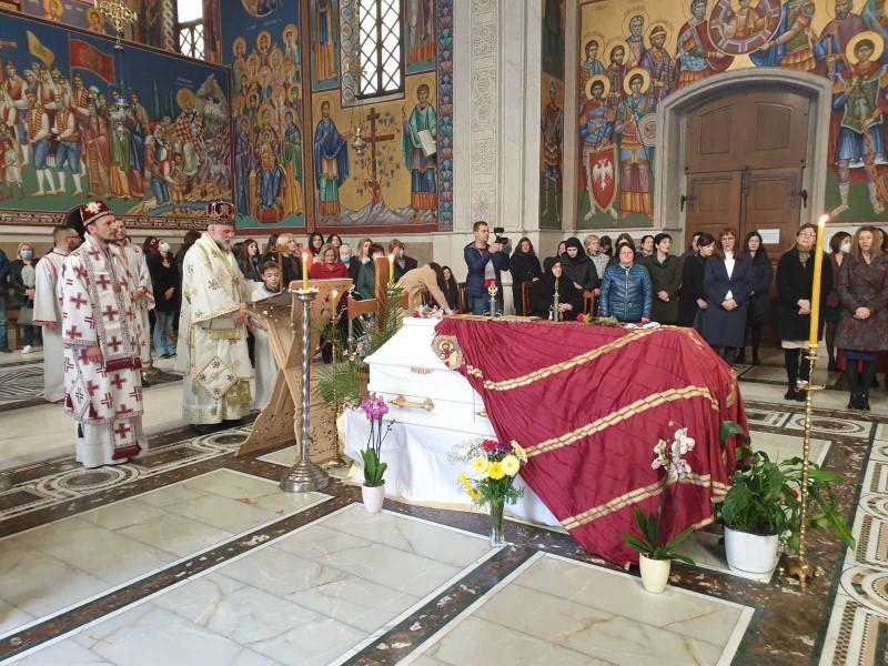 Στην αγκαλιά της Εκκλησίας ο μακαριστός πρ. Ερζεγοβίνης Αθανάσιος