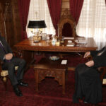 Στον Αρχιεπίσκοπο ο Αν. Υπουργός Εξωτερικών Μιλτιάδης Βαρβιτσιώτης
