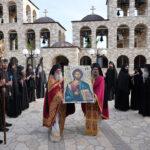 Η ενθρόνιση της εικόνας του Χριστού στην Ιερά Μονή Τρικόρφου