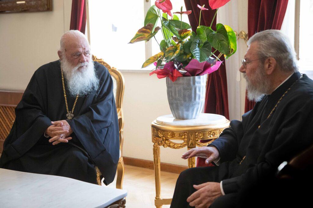 Έφτασε στην Κύπρο ο Αρχιεπίσκοπος Αθηνών Ιερώνυμος