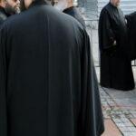 Ιερείς μόνο με πτυχίο πανεπιστημίου